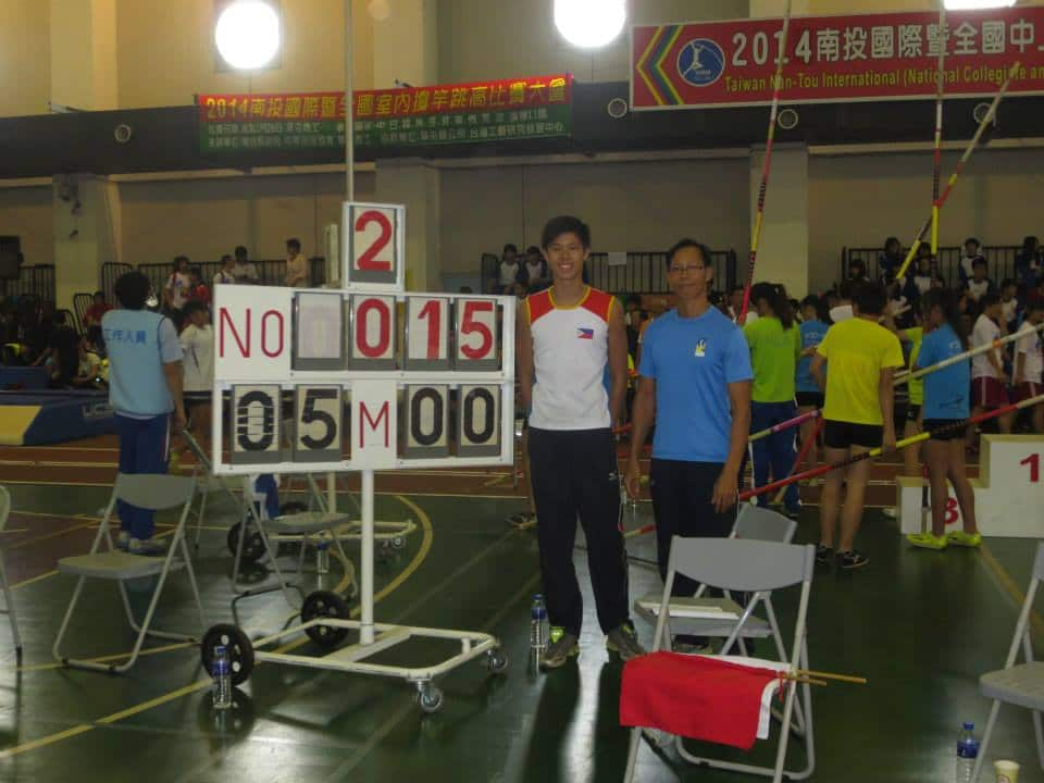 Now officially a 5.00m jumper EJ Obiena (left) takes the national indoor record. Coach and father Emerson Obiena (right).