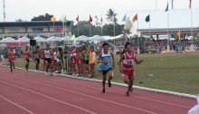 Gilbert Rutaquio fights his way through the pain to narrowly win the Palaro 1500m title. Photo Credit: Airnel T. Abarra Pinoyathletics.info, copyright 2015